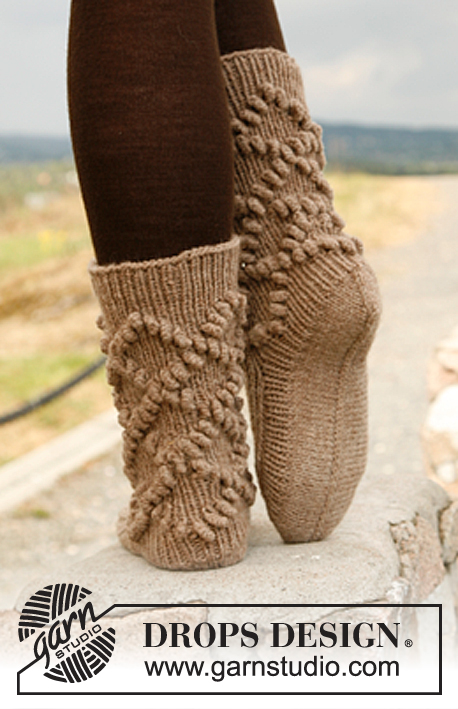 Poppy / DROPS 134-41 - Free knitting patterns by DROPS Design