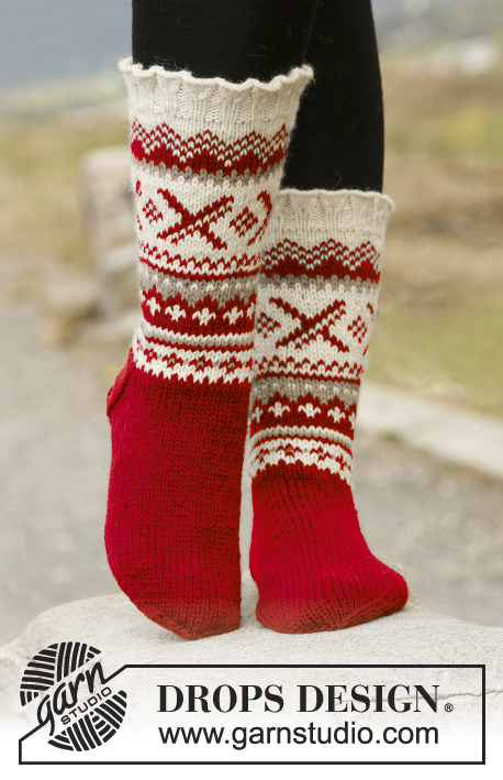 "Denver / DROPS 135-44 - Knitted DROPS socks with Norwegian pattern in ""Karisma""."
