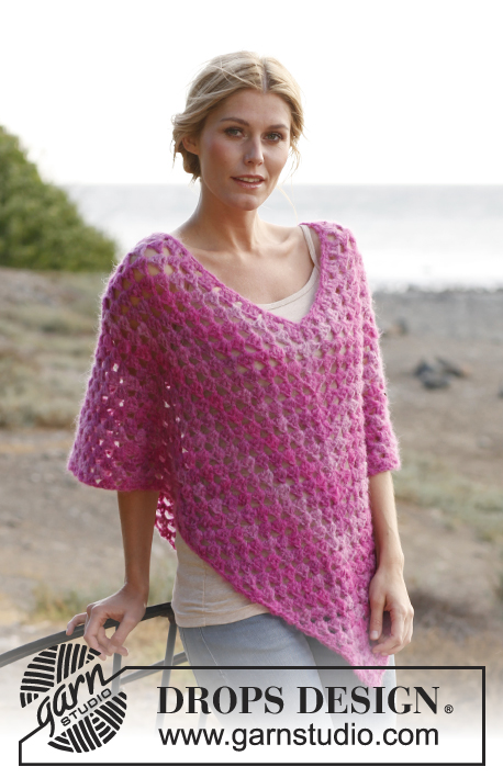 Raspberry Smoothie / DROPS 137-25 - Poncho DROPS all'uncinetto in Verdi. Dalla S alla XXXL