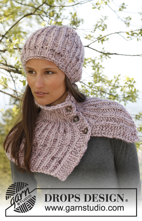"8f323387d32 Knitted DROPS hat and neck warmer in English rib with buttons in ""Eskimo""."