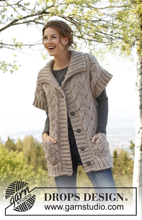 Best West / DROPS 142-13 - Propínací vesta s klikatým ažurovým vzorem pletená z příze DROPS Andes. Velikost: S-XXXL.