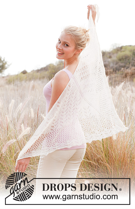 "Lisa / DROPS 146-15 - Knitted DROPS shawl with lace pattern in ""Lace""."