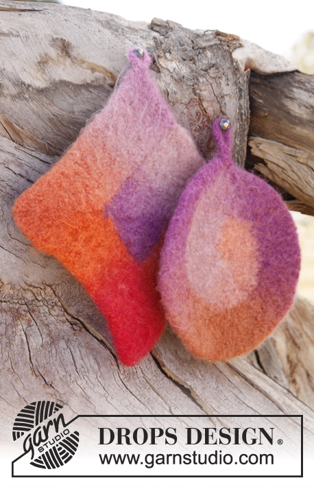 Betty / DROPS 147-30 - Felted DROPS pot holders in Big Delight.