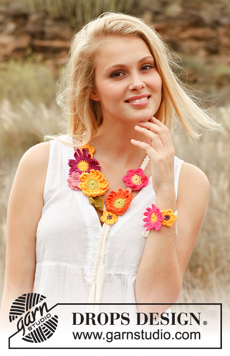 "Summer bouquet / DROPS 147-41 - Plaited DROPS necklace and bracelet with crochet summer flowers in ""Safran""."