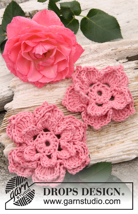 "Rosa / DROPS 147-45 - Crochet DROPS rose flowers in ""Safran""."