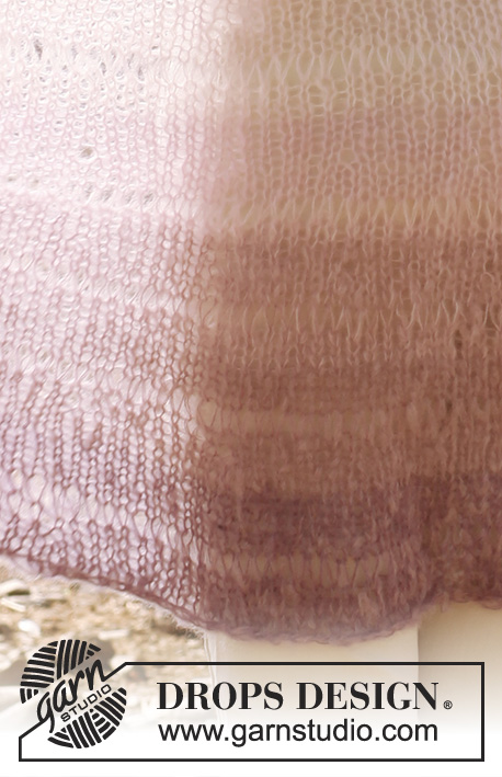 "Imogen / DROPS 148-3 - Knitted DROPS shawl with dropped sts and tinted stripes in 2 strands ""Vivaldi""."