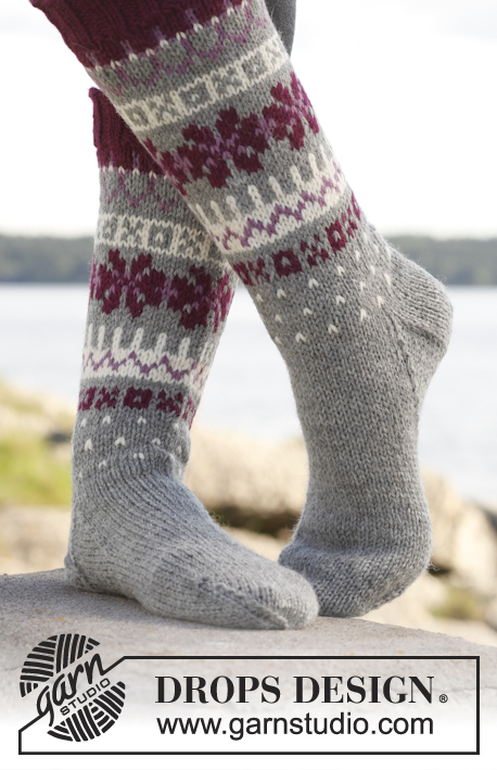 "September Socks / DROPS 150-18 - Knitted DROPS socks with Nordic pattern in ""Lima"". Size 35 to 43"