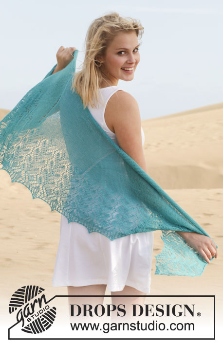 "French Riviera / DROPS 152-4 - Knitted DROPS shawl with lace pattern in ""Lace""."