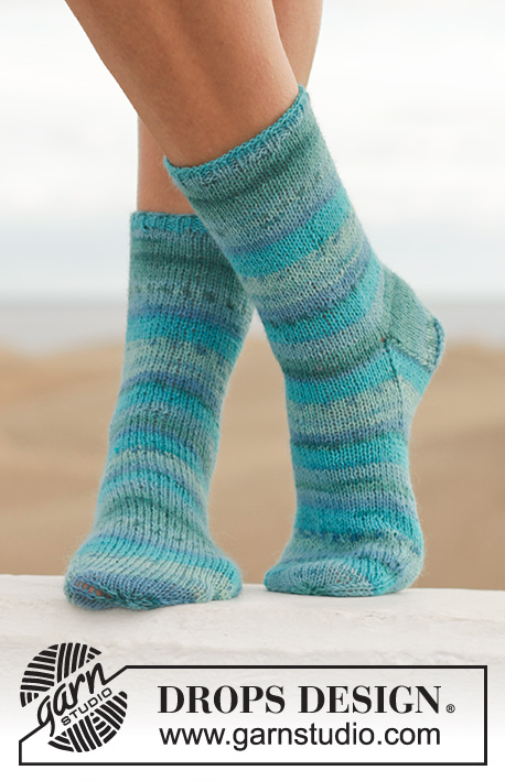 Blue Notes / DROPS 152-7 - Knitted DROPS socks in Fabel. Size 35-43