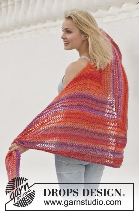 "Tequila Sunrise / DROPS 154-26 - Knitted DROPS shawl in garter st with dropped sts in ""Big Delight""."