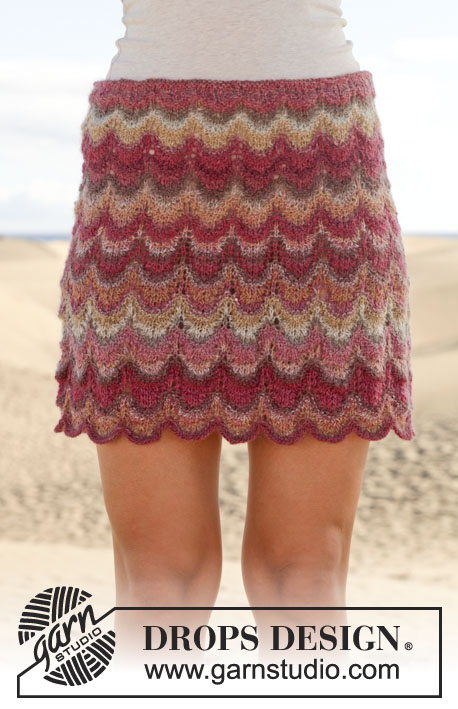 "Oh la la! / DROPS 155-15 - Knitted DROPS skirt with lace pattern in ""Delight"". Size: S - XXXL."