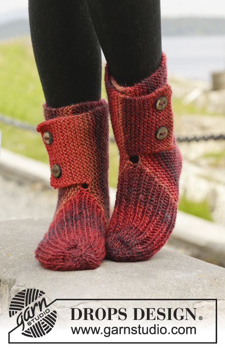 "Allegria / DROPS 158-48 - Knitted DROPS slippers in garter st with rib in ""Big Delight""."