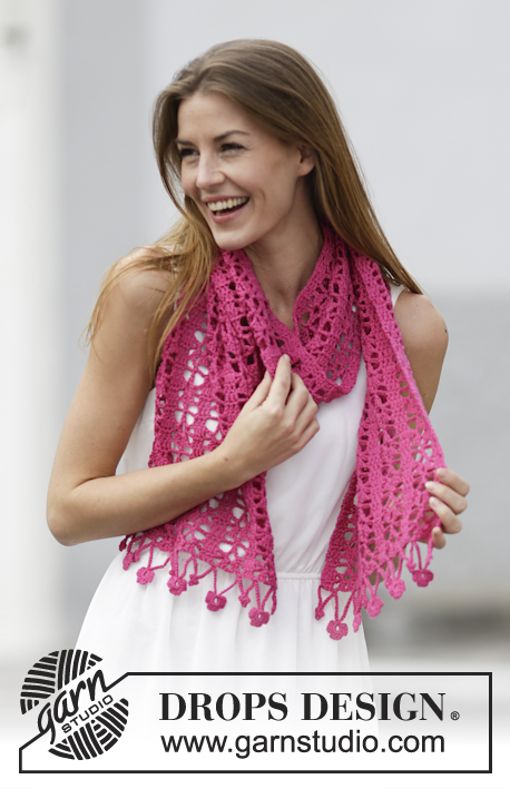 "Brigthen Up / DROPS 162-7 - Crochet DROPS stole with lace pattern and flower edge in ""Cotton Merino""."