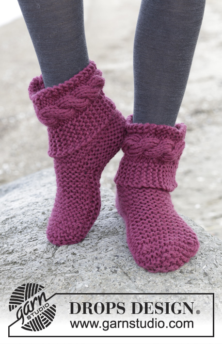 "Violetta / DROPS 163-15 - Knitted DROPS slippers in garter st in 2 strands ""Alaska""."