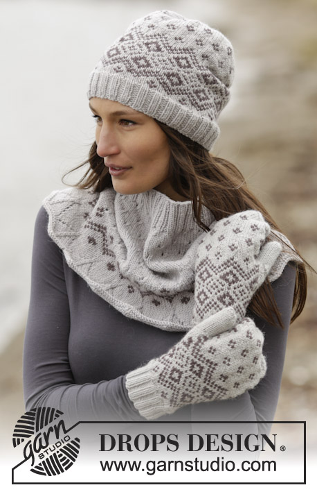 "Winter Melody Set / DROPS 165-19 - Set consists of: Knitted DROPS mittens, neck warmer and hat with Nordic pattern in ""Lima"". Size: One-size"
