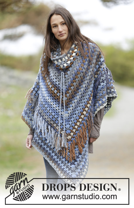 "Gaucho / DROPS 166-35 - Crochet DROPS poncho with detachable collar, dc-groups and fringes, worked top down in ""Big Delight"". Size: S - XXXL."