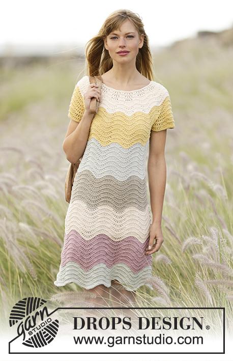 """Making Waves / DROPS 169-12 - Stickad DROPS klänning i """"Belle"""" med ränder och vågmönster, stickad uppifrån och ned. Stl S - XXXL."""