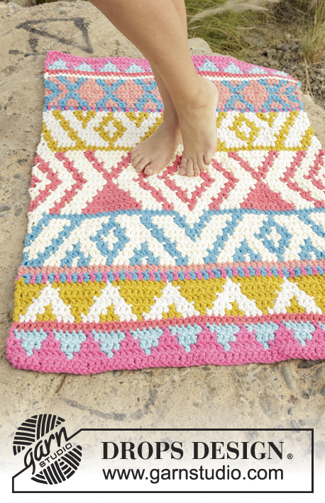 The Trail / DROPS 170-42 - Crochet DROPS rug with color pattern in 4 strands Paris.