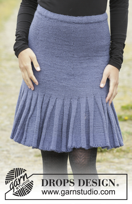 "Flirty Skirty / DROPS 171-27 - Knitted DROPS skirt with flounce at the bottom, worked top down in ""Karisma"". Size: S - XXXL."