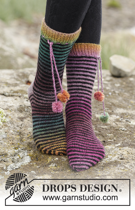 Tivoli / DROPS 171-38 - Knitted DROPS socks with stripes in Delight and Fabel. Size 35 - 43