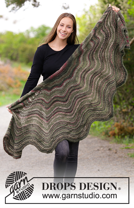 Autumn Butterfly / DROPS 180-29 - Knitted shawl with wave pattern.