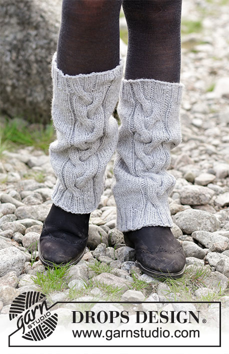 Retro Dance / DROPS 182-30 - Knitted leg warmers with cables.