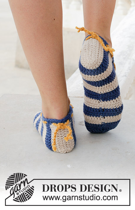 Happy Sailor / DROPS 189-30 - Crocheted slipper with stripes. Piece is crocheted in DROPS Paris.