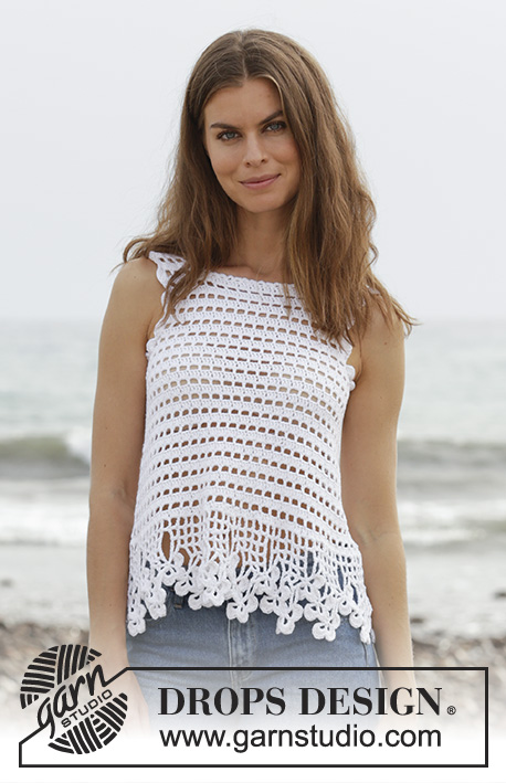 Ipanema / DROPS 190-2 - Top crochetado com ponto rendado e orla com trevos, em DROPS Cotton Light. Do S ao XXXL.