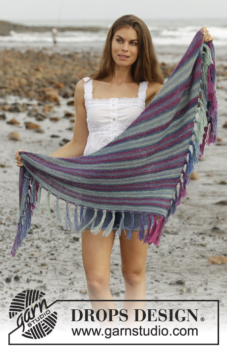 Windy Days / DROPS 190-24 - Knitted shawl in garter stitch with fringes. Piece is knitted in DROPS Delight.