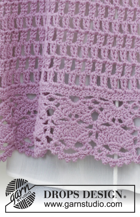 French Lavender / DROPS 191-35 - Crocheted stole with lace pattern and fans. The piece is worked in DROPS Cotton Merino.
