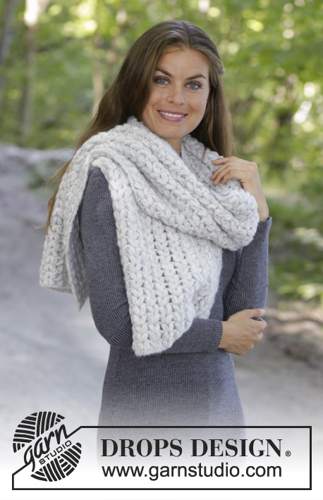 Fluffy Hug / DROPS 192-37 - Crocheted scarf in DROPS Air. Piece is crocheted with puff stitches formed as hearts.