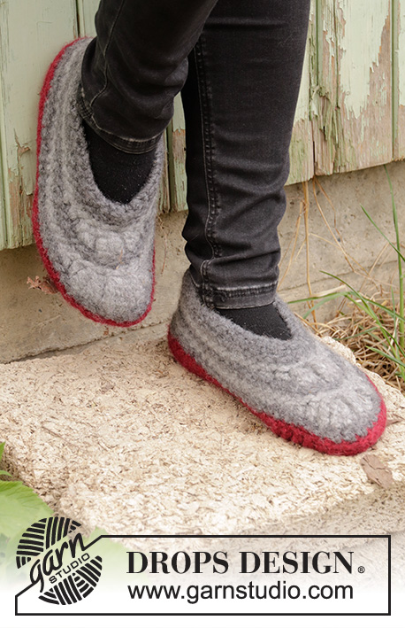 Warm Detour / DROPS 193-17 - Crocheted and felted slippers in DROPS Polaris. Piece is crocheted with stripes. Size 35 - 43