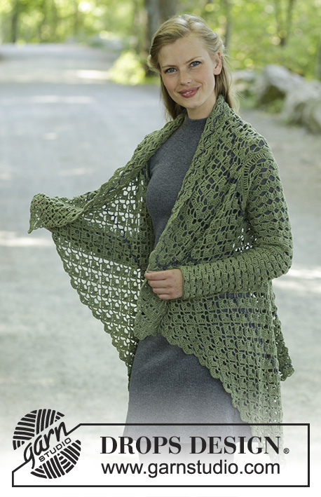 Green Envy / DROPS 196-28 - Crocheted jacket in DROPS BabyMerino. The piece is worked in a square with fans, lace pattern and stripes. Sizes S - XXXL.