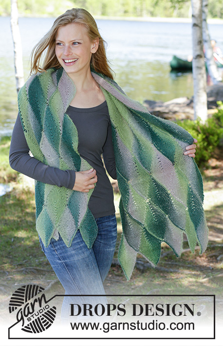 Forest Fling / DROPS 196-5 - Knitted stole with leaves in DROPS Delight. The piece is worked in garter stitch with short rows.