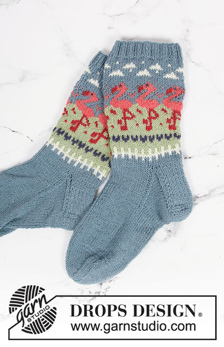 Flamingo Parade Socks / DROPS 198-11 - Knitted socks in DROPS Flora. Piece is knitted top down in Norwegian pattern with flamingos. Size 35 to 41