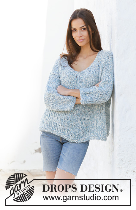 Early Riser / DROPS 199-32 - Knitted jumper in 2 strands DROPS Alpaca Bouclé. The piece is worked with v-neck and split in sides. Sizes S - XXXL.