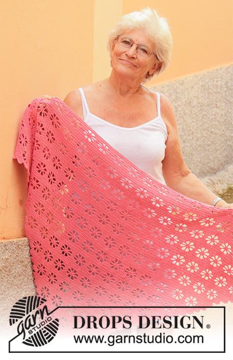 Marion's Garden / DROPS 202-16 - Crocheted shawl in DROPS Cotton Merino with clover pattern.
