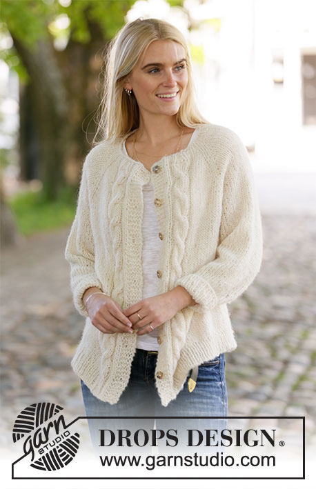 December Sands Jacket / DROPS 207-25 - Gebreid vest met raglan in DROPS Brushed Alpaca Silk en DROPS Alpaca. Het werk wordt gebreid van boven naar beneden met kabels. Maat: S - XXXL