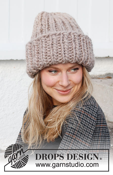 Hush of Winter Hat / DROPS 214-18 - Knitted beanie / hipster hat with rib in DROPS Polaris.
