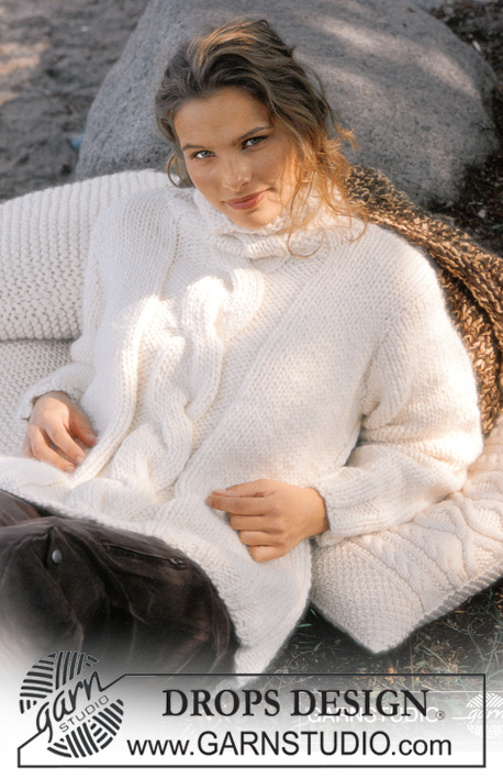 White Bliss / DROPS 80-23 - DROPS Pullover in Eskimo and 4 Pillows