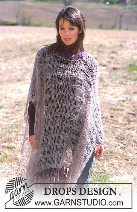 DROPS 93-20 - Poncho with dropped stitches in Vivaldi and Eskimo