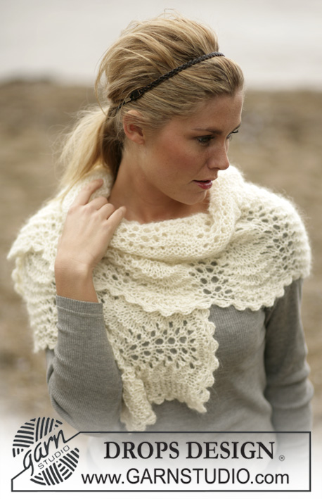 DROPS 98-18 - DROPS Scarf in a wavy lace pattern in Alpaca and Vivaldi
