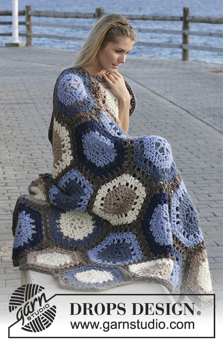 "Sand And Sea / DROPS 99-7 - DROPS Crochet blanket in ""Eskimo"" made of 6-edged panels"