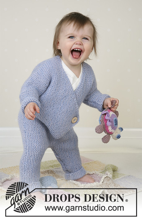 Jumping Jacks / DROPS Baby 13-1 - Jumpsuit, soft toys and blanket in Alpaca