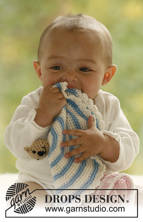 Cuddly Friends / DROPS Baby 17-27 - Knitted and crochet baby snuggle blanket with animal motifs in DROPS Muskat