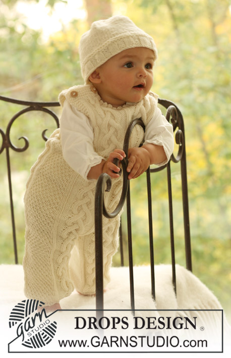 Cream Dream / DROPS Baby 17-3 - Set of knitted hat and baby onesie with or without buttons between the legs in DROPS Merino Extra Fine