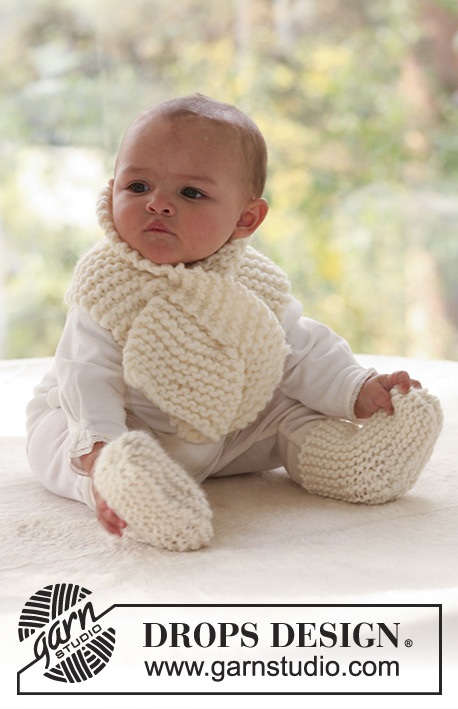 Wiggles / DROPS Baby 17-7 - Set of knitted scarf and socks in garter st for baby and children in DROPS Eskimo