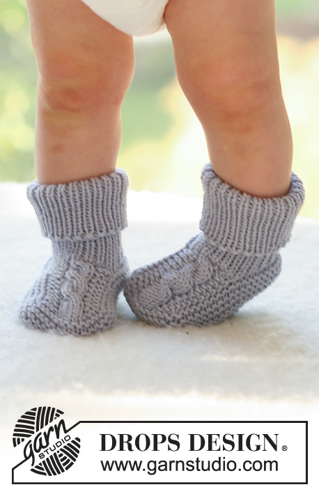 Little Gent / DROPS Baby 17-9 - Set of knitted vest and socks with cables for baby and children in DROPS Merino Extra Fine