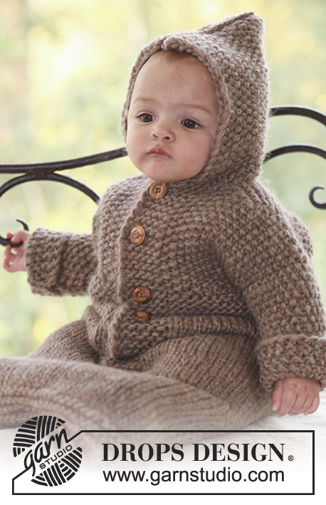 Hazelnut / DROPS Baby 18-2 - Knitted bunting bag in DROPS Eskimo or DROPS Andes