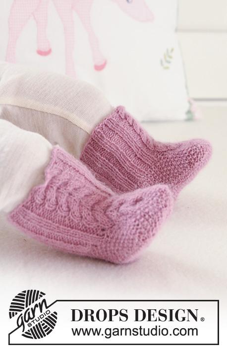 79faca082629 Sweet Greta Socks   DROPS Baby 19-24 - Free knitting patterns by ...